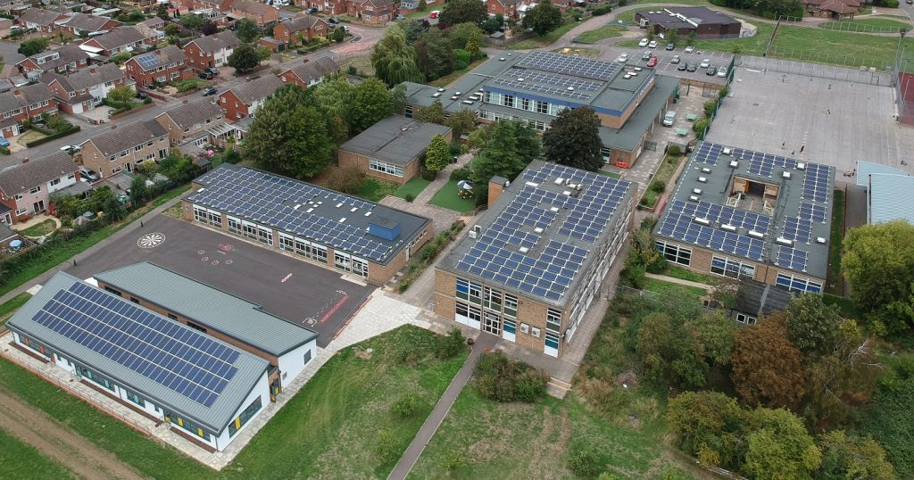 Solar panels on school roofs with Solar for Schools